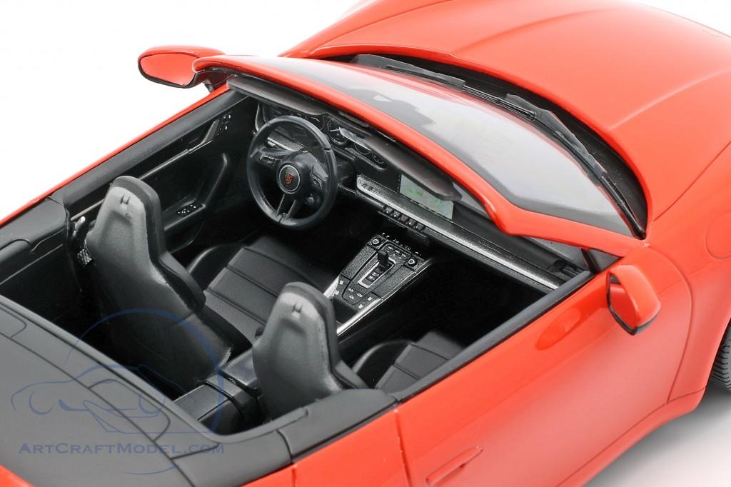 Porsche 911 (992) Carrera 4S Cabriolet 2019 orange