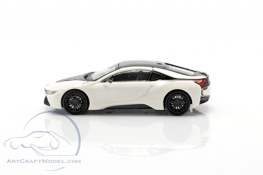 BMW i8 Coupe (I12) year 2015 white metallic