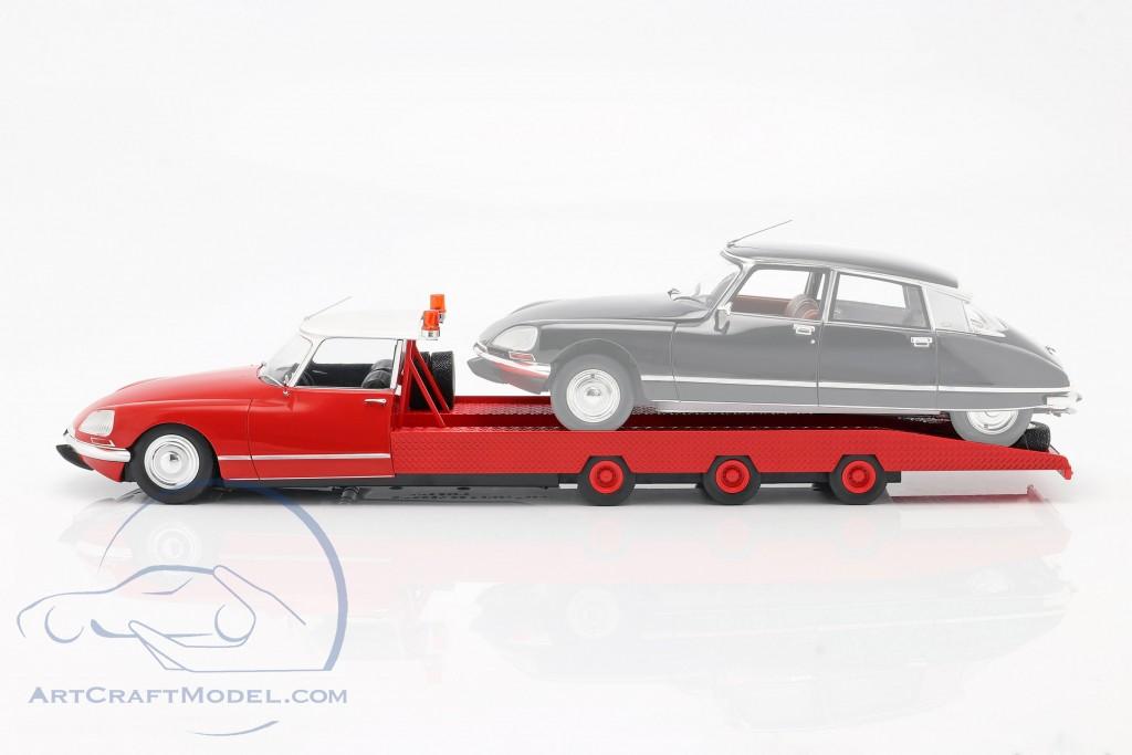 Citroen DS Tissier Car transporter year 1970 red