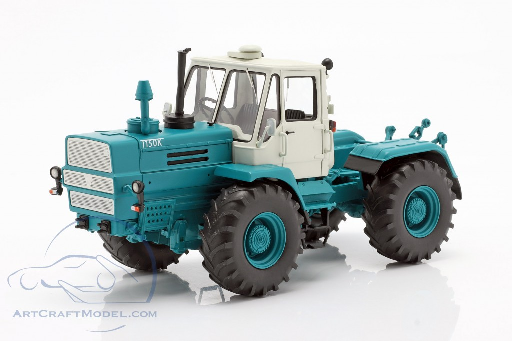 Charkow T-150K tractor blue