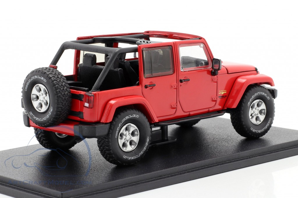 Jeep Wrangler Unlimited Sahara year 2017 red