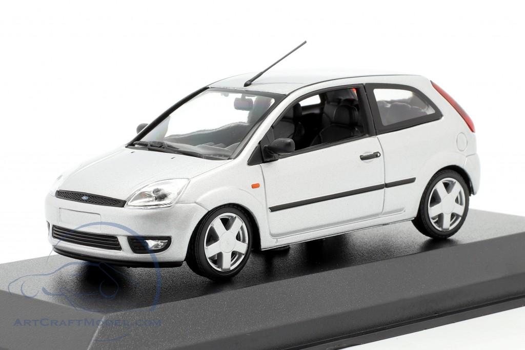 Ford Fiesta year 2002 silver