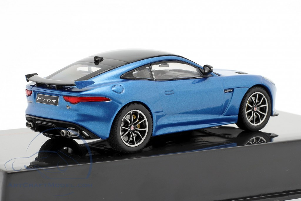Jaguar F-Type SVR year 2016 blue metallic / black