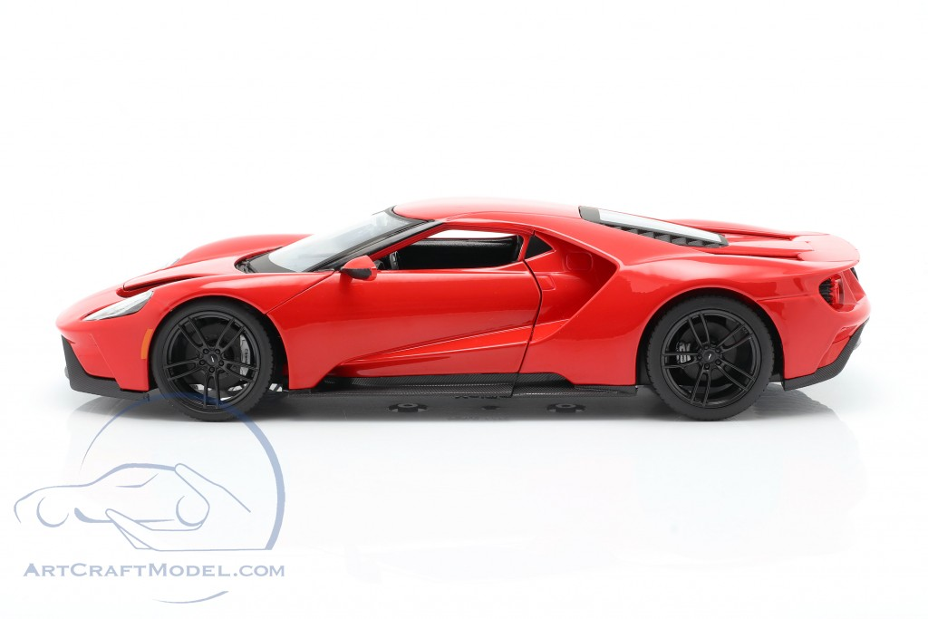 Ford GT year 2017 red