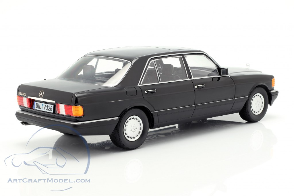 2S 1985 Black I-SCALE 1:18 118000000058 Mercedes Benz S-Class 560Sel W126