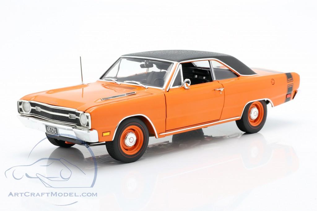 Dodge Dart GTS 440 with vinyl top year 1969 orange / black
