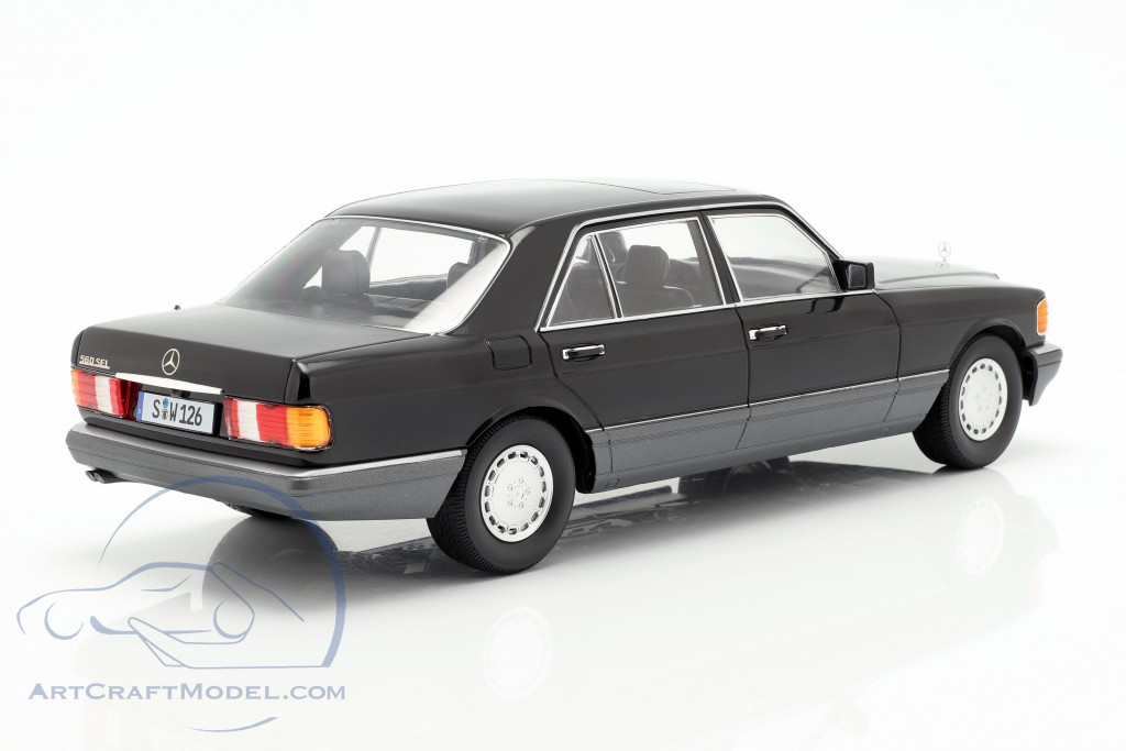 Mercedes-Benz 560 SEL S-class (W126) year 1985 black / Gray