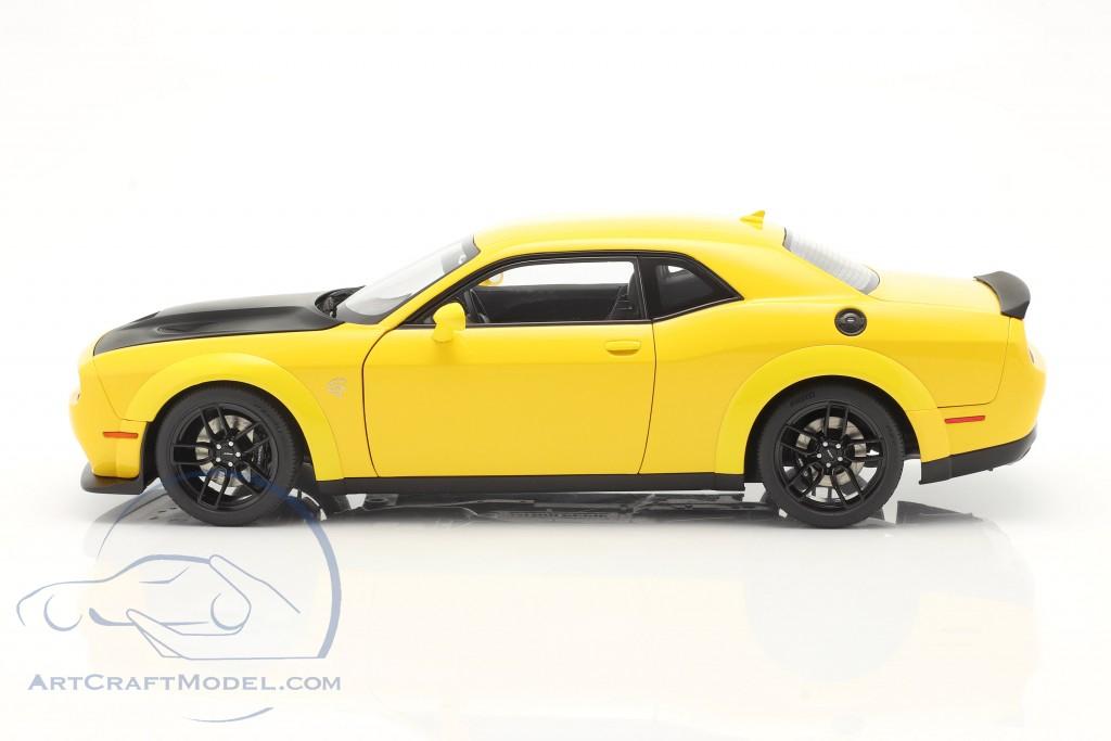 Dodge Challenger SRT Hellcat Widebody year 2018 yellow / black