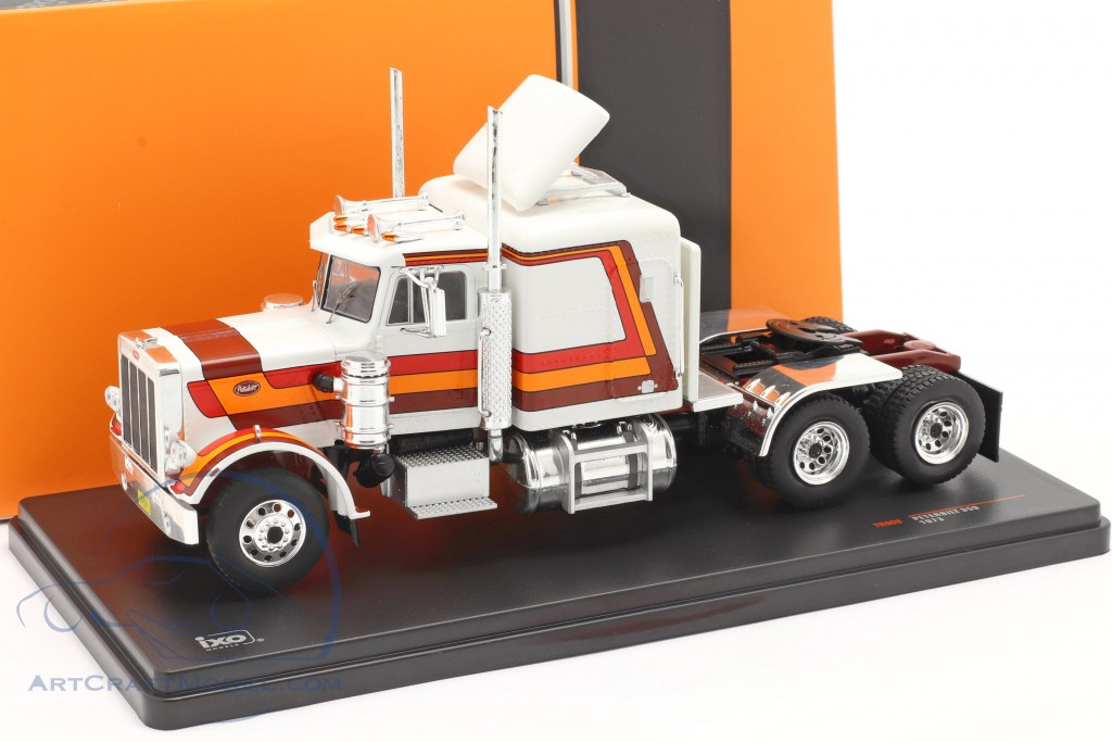 Peterbilt 359 Truck year 1973 white / red / orange / brown