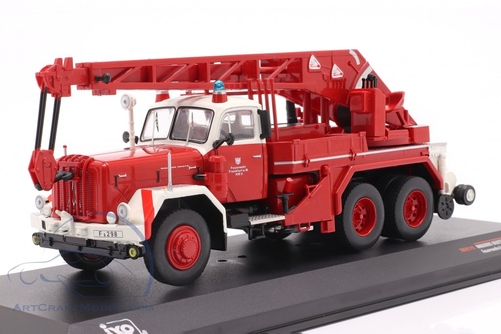 Magirus Deutz Uranus KW 16 fire department Frankfurt red