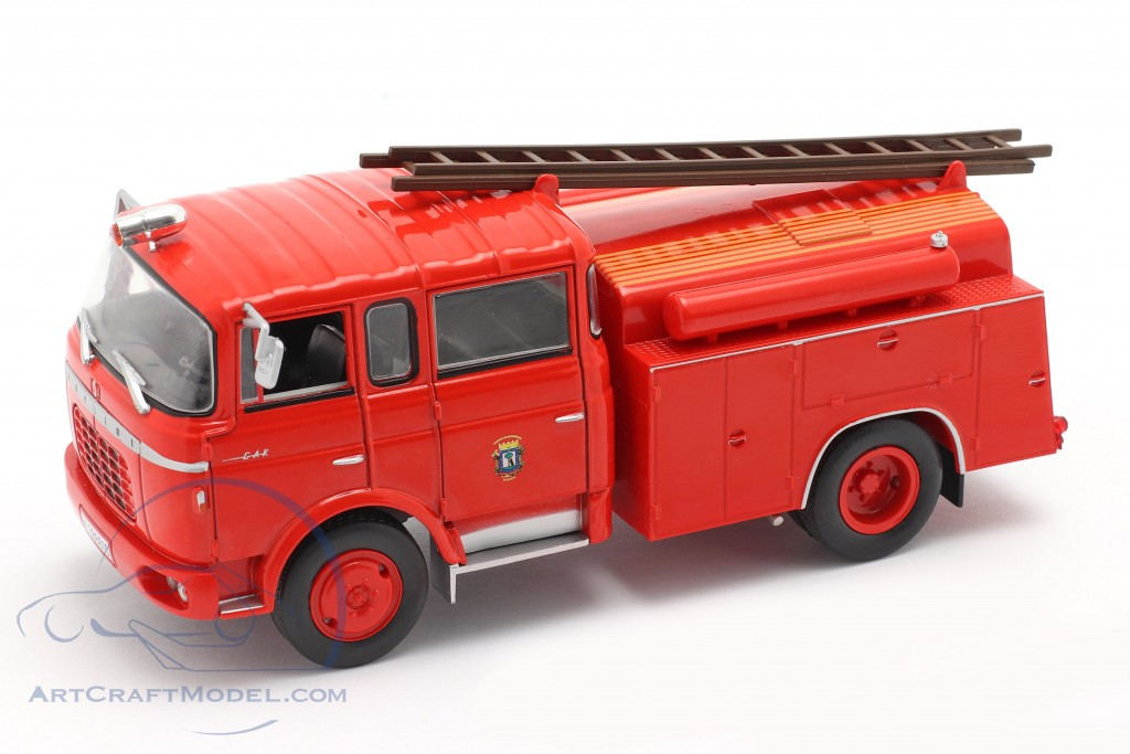Berliet GAK 17 fire department Madrid red