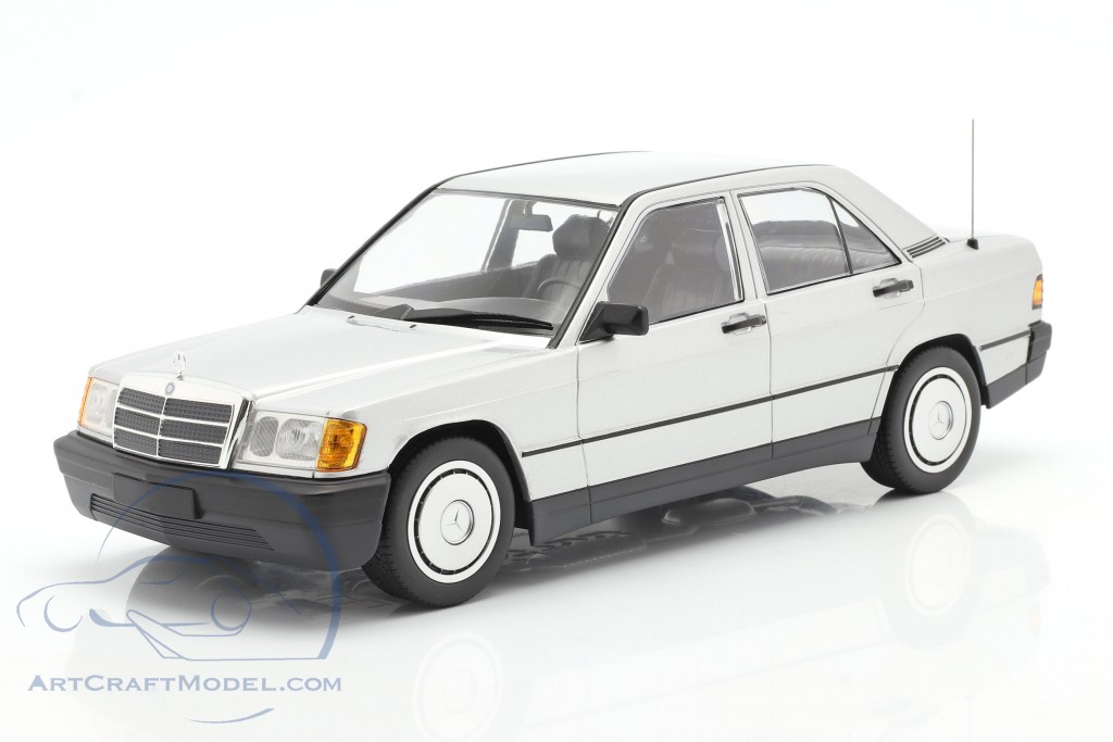 Mercedes-Benz 190E year 1982 silver