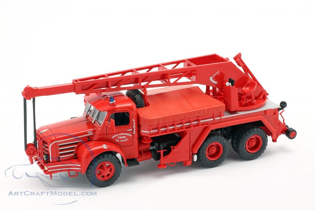 Magirus Berliet TBO 15 Tone fire Department crane vehicle SDI des Yvelines