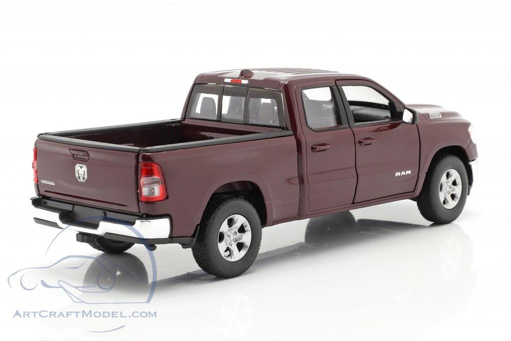 Dodge Ram 1500 year 2019 dark red-brown