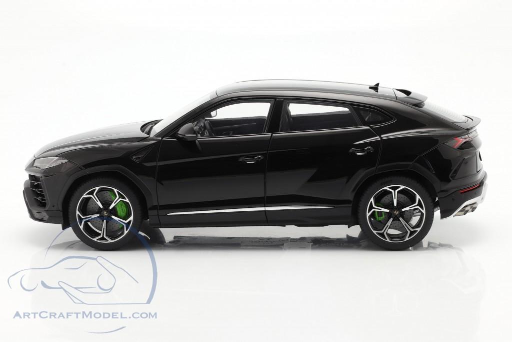 Lamborghini Urus year 2018 black