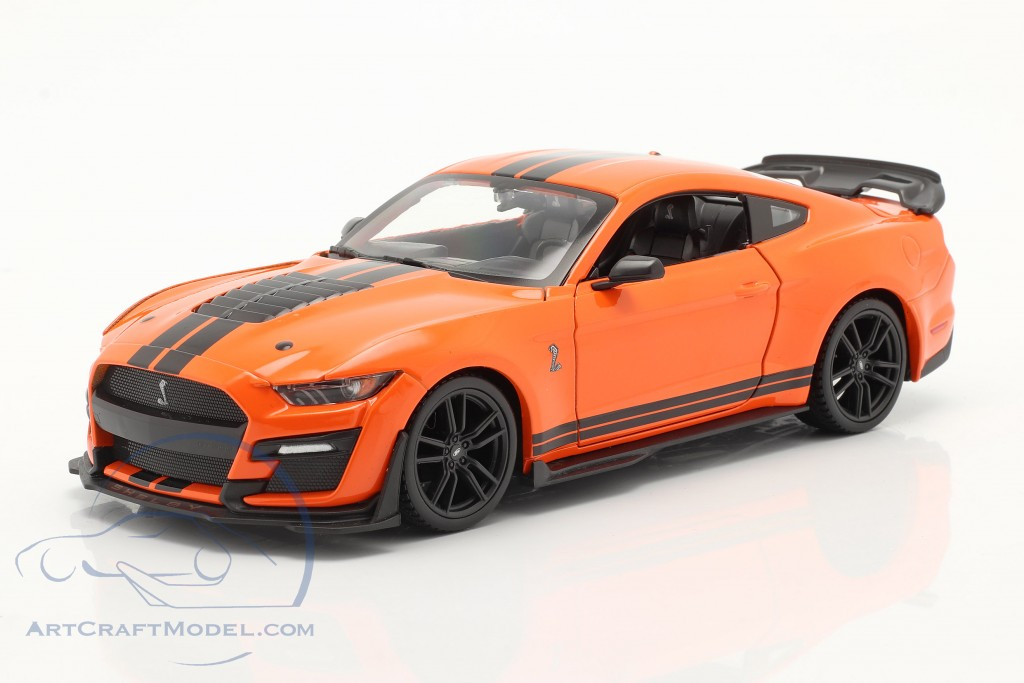 Ford Mustang Shelby GT 500 year 2020 orange / black