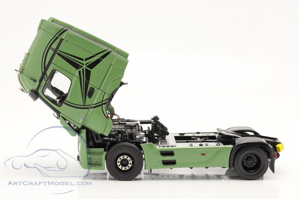 Mercedes-Benz Actros Gigaspace 4x2 SZM olive green