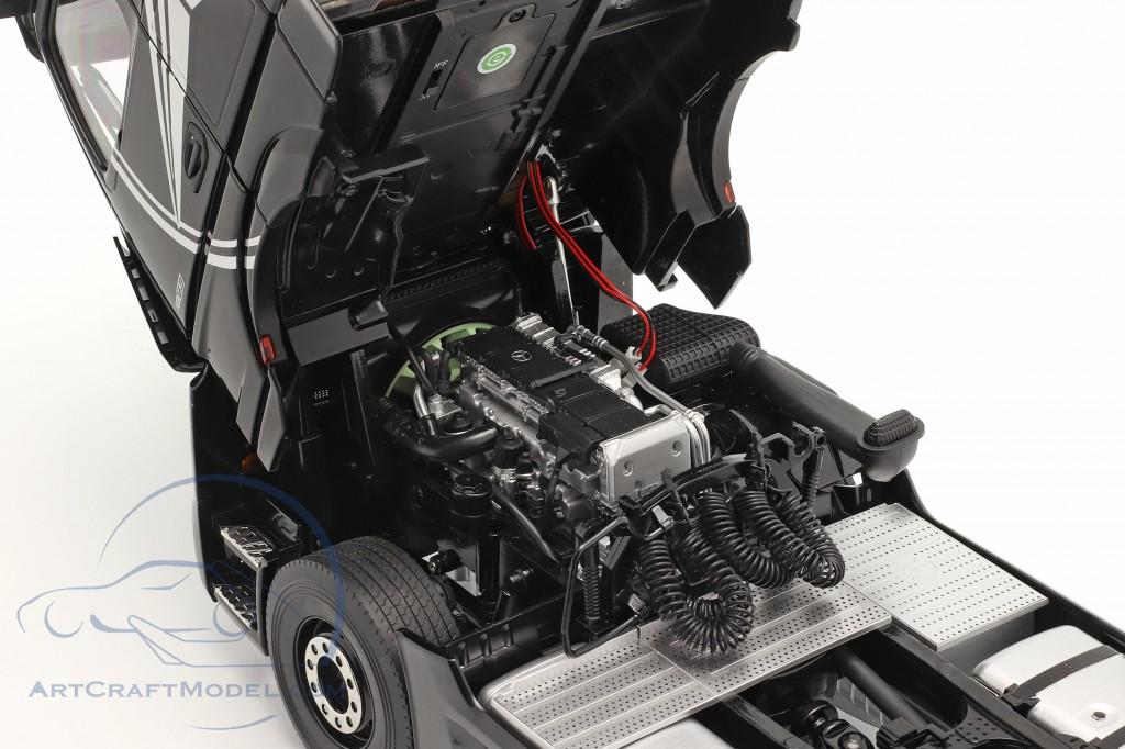 Mercedes-Benz Actros Gigaspace 4x2 SZM black with Mercedes design
